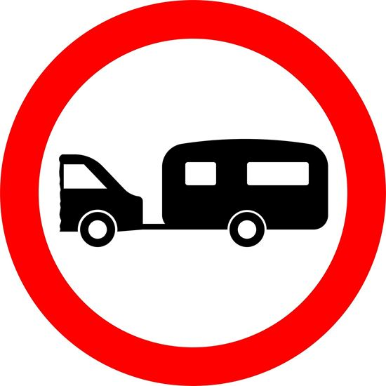 Towed caravans prohibited road sign