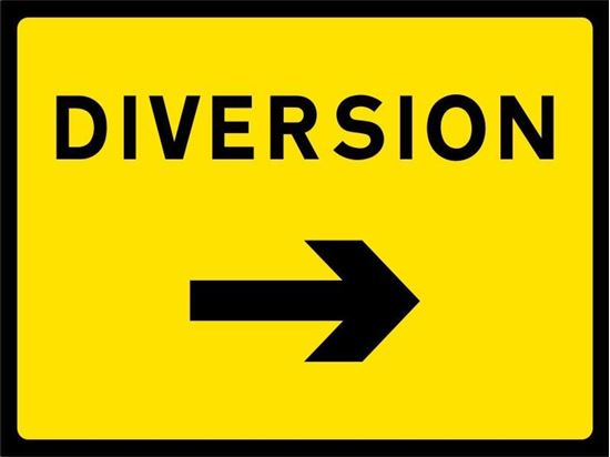 Diversion with arrow right road signs